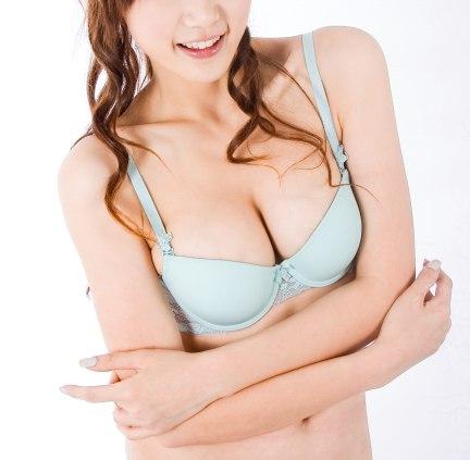 取出假體後,可用自體脂肪隆乳再造完美的胸部