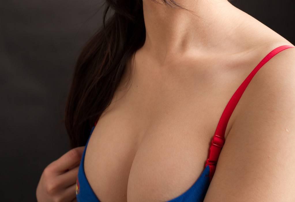 自體脂肪隆乳需大量注射,脂肪槍反而造成困擾