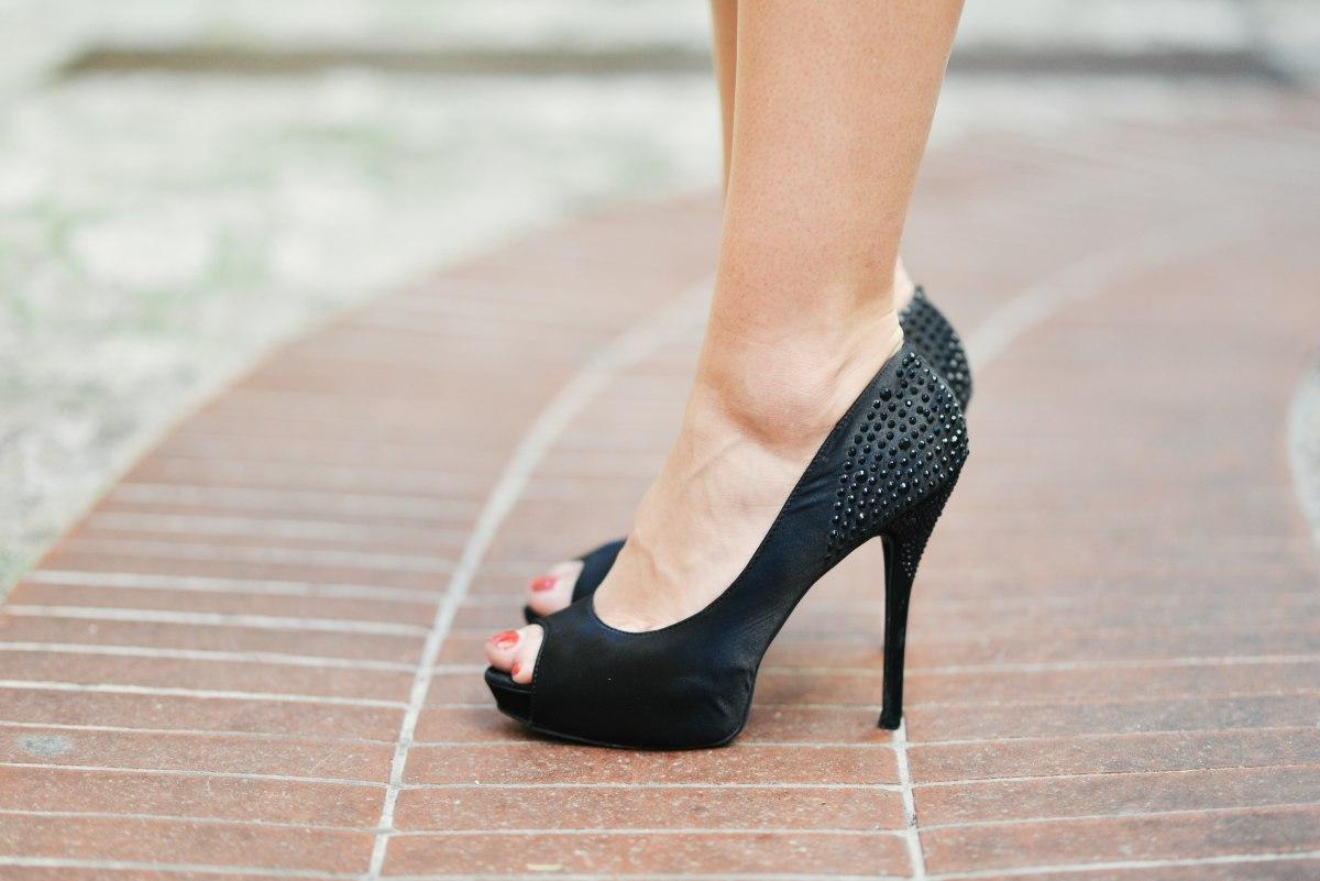 常穿高跟鞋小腿真的會變粗