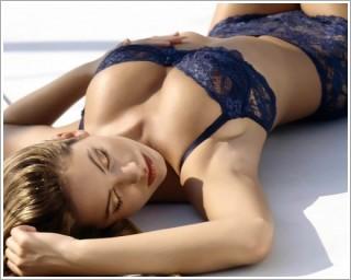 ▲雖然近年來自體脂肪隆乳廣受喜愛,但是,臨床上還是偶爾會發生隆乳失敗的案例,包含隆乳後會產生硬塊、感染甚至爆漿...