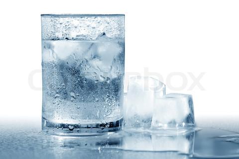 ▲「喝冰水」會增加新陳代謝,而不是降低新陳代謝...