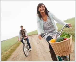 ▲減肥代餐對於肥胖病患確實是一個方便可行的治療方式,減重期每天只要吃兩包、維持期每天吃一包,同時注意每天熱量與各種營養的攝取,就可以把體重減輕7.8%到8.4%