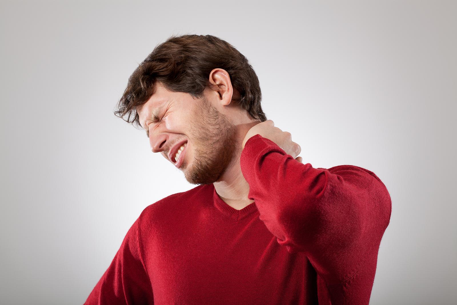 你常按摩頸部嗎?希望上帝保佑你不要中風、癱瘓