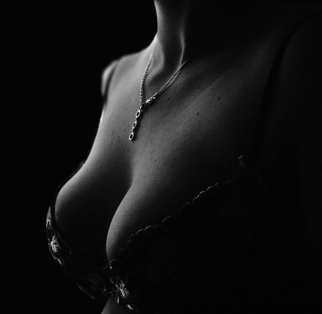 自體脂肪隆乳手術,可達到完美身材比例