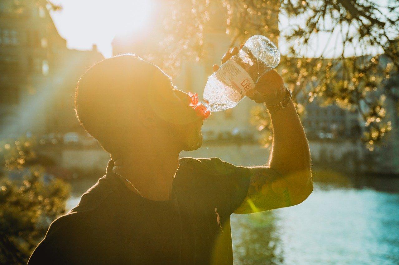 喝水不會胖, 但如果水含糖會發胖