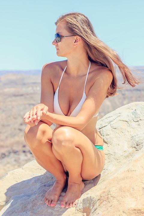 炎炎夏日是一展好身材的最佳時機,隨著隆乳技術的精進, 現在已經可以利用自身多餘脂肪,處理後進行移植達到隆乳的效果